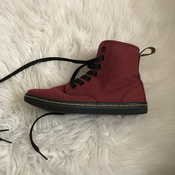 Dr Martens Shoreditch Canvas Cherry Red